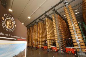 Inaugurato il magazzino del �Parmigiano Reggiano prodotto di montagna�