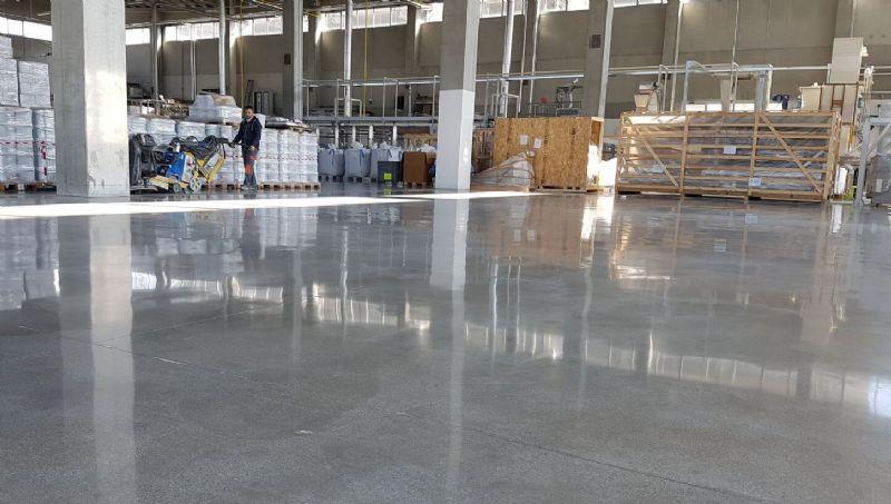 Pavimenti In Cemento Industriale : Lucidatura pavimenti in cemento industriale euromerci